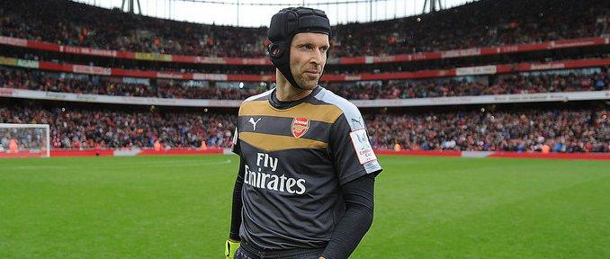 Cech véd a kapuban a Chelsea ellen